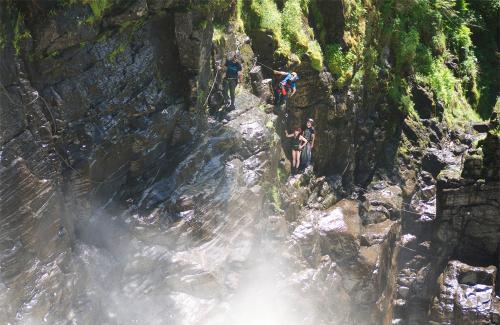 projet-vertical-canyon-via-ferrata-14 (1)