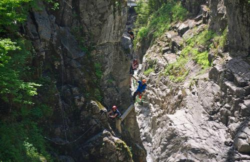 projet-vertical-canyon-via-ferrata-21
