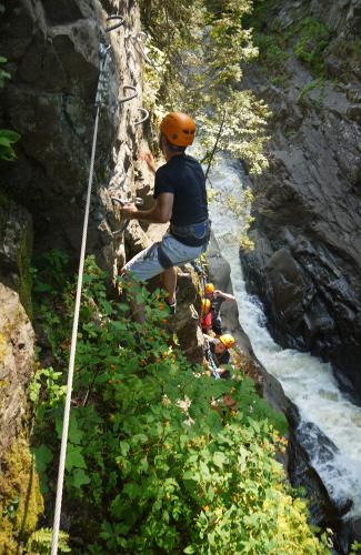 projet-vertical-canyon-via-ferrata-37