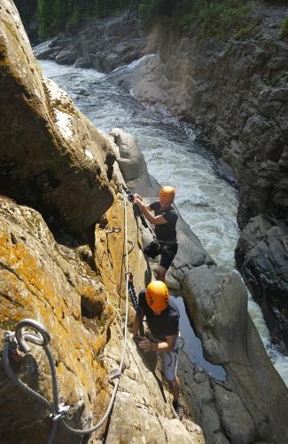 projet-vertical-canyon-via-ferrata-39