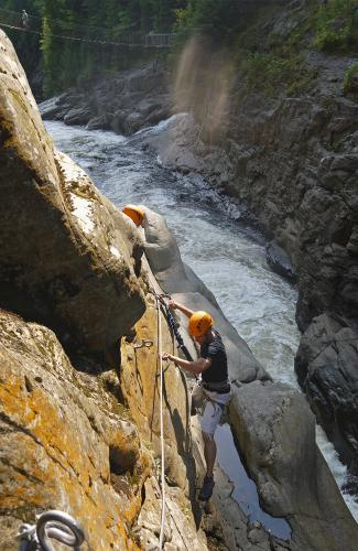 projet-vertical-canyon-via-ferrata-40