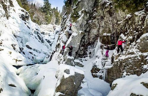 projet-vertical-canyon-via-ferrata-hiver 09