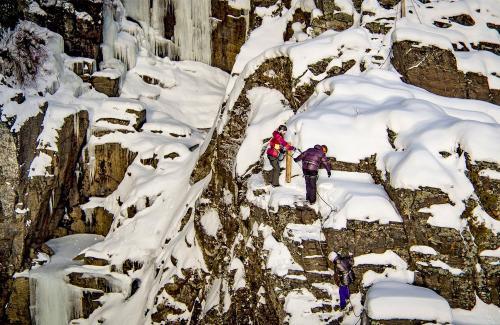 projet-vertical-canyon-via-ferrata-hiver 11
