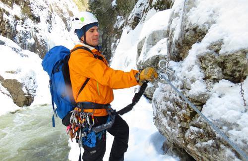 projet-vertical-canyon-via-ferrata-hiver 13