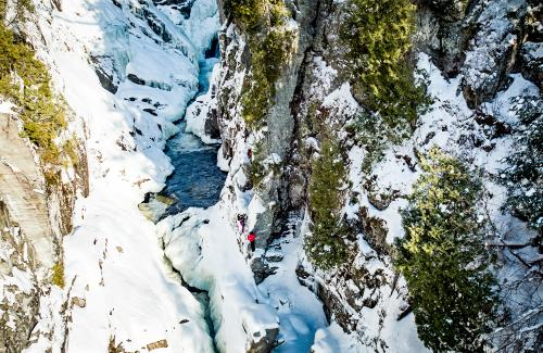 projet-vertical-canyon-via-ferrata-hiver 14