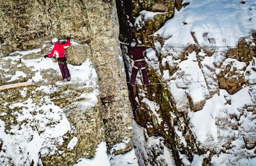 projet-vertical-canyon-via-ferrata-hiver 18