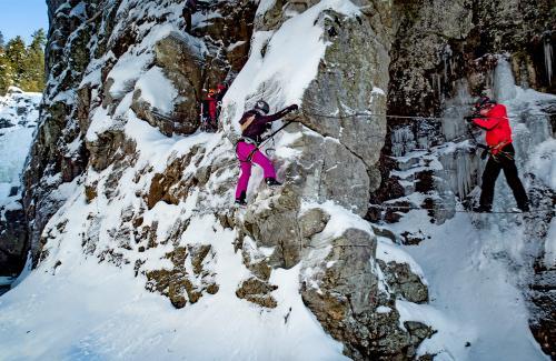projet-vertical-canyon-via-ferrata-hiver 21