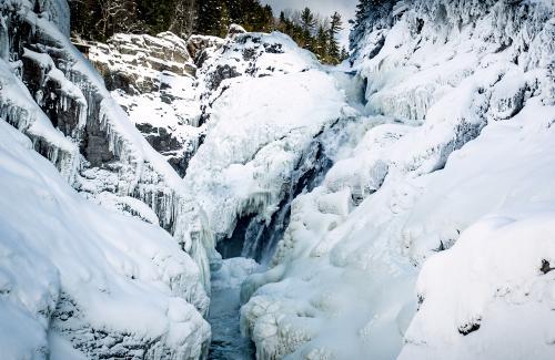 projet-vertical-canyon-via-ferrata-hiver 25