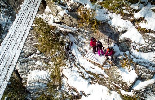 projet-vertical-canyon-via-ferrata-hiver 29