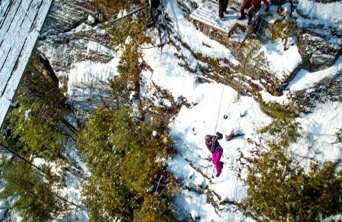 projet-vertical-canyon-via-ferrata-hiver 30