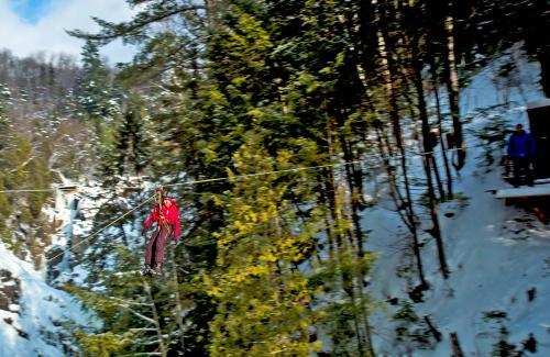 projet-vertical-canyon-via-ferrata-hiver 31