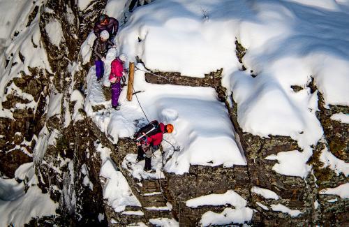 projet-vertical-canyon-via-ferrata-hiver 38