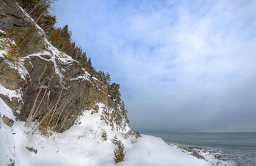 projet-vertical-manoir-richelieu-via-ferrata-hiver 20